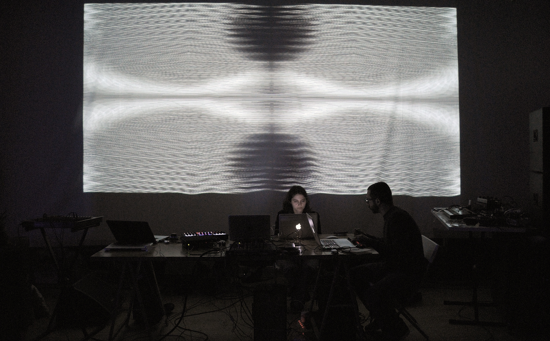 akamoi feat BinaryCodedBrain – Il Pagliaio